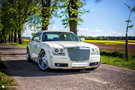 Chrysler 300c LV Ecru `22 cale - wynajem samochodow na sluby - Cieszyn - śląskie