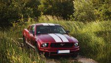 Czerwony Ford Mustang na ślub  -  Gorlice  -  małopolskie